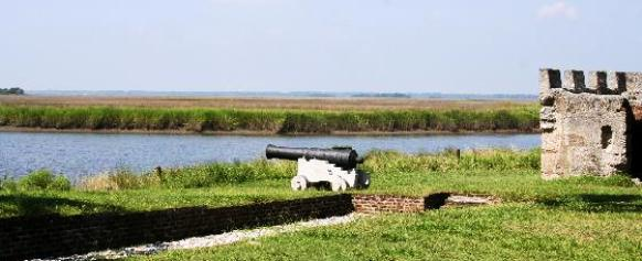 3025185-cannon guarding ft frederica-saint simons island